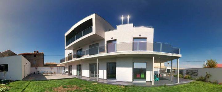 Casa Laberinto, Tornos